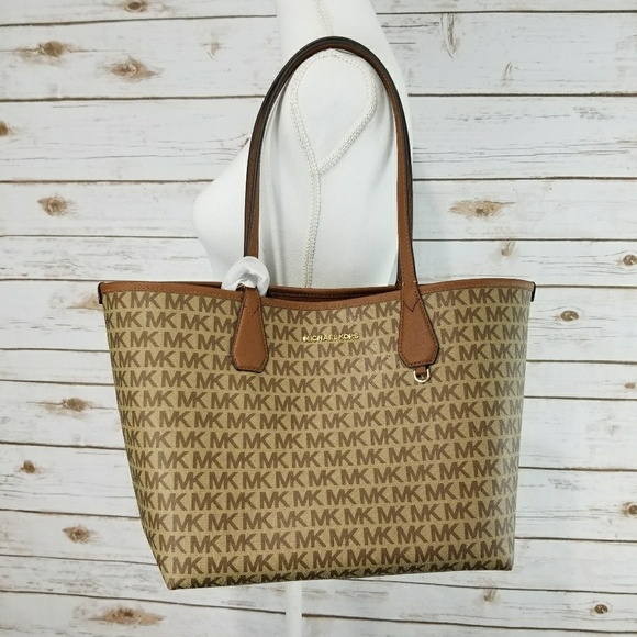 fce9b27800ff0 Michael Kors Candy 2 in 1 Large Reversible Tote